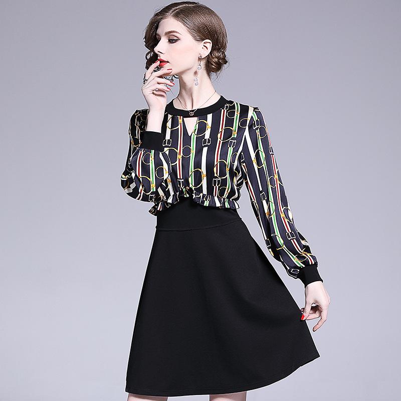 2019新款春夏女装气质通勤圆领镂空长袖条纹印花假两件拼接连衣裙