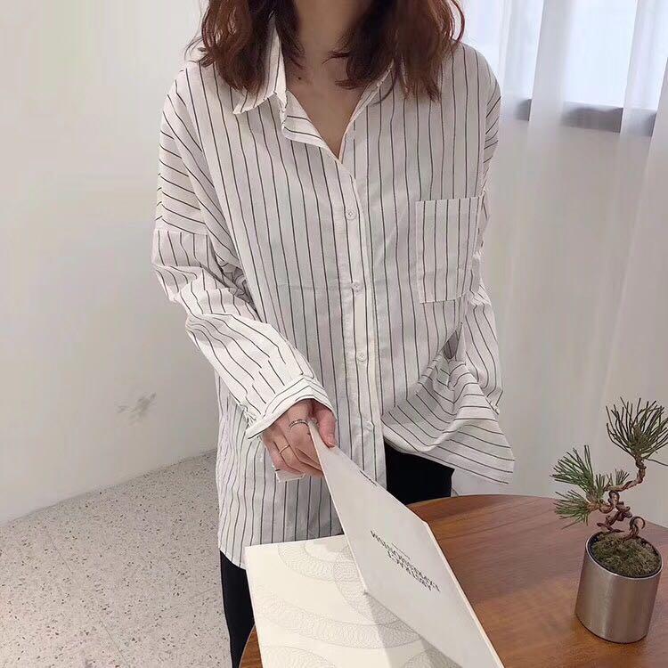 1020#实拍现货 坚条纹休闲衫衬颜色:白色、杏色尺码:均码
