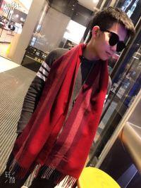 专柜同步新款男士高端围巾 双面羊绒手感超好 搭配正装或休闲装都合适 绅士有型