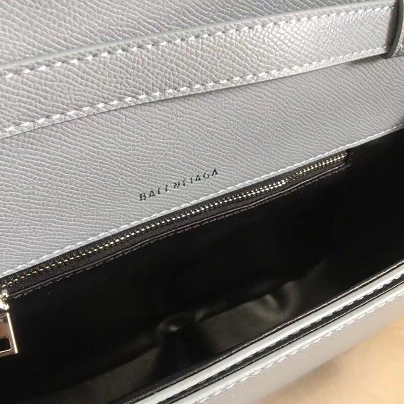 B家新品实拍 马鞍包 最新走秀款来啦专柜限量上市 尺寸 24 15
